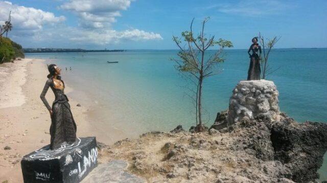Pantai Batu Nona Oesapa, 'Pantai Duaribu' Spot Selfi Muda Mudi Kota Kupang